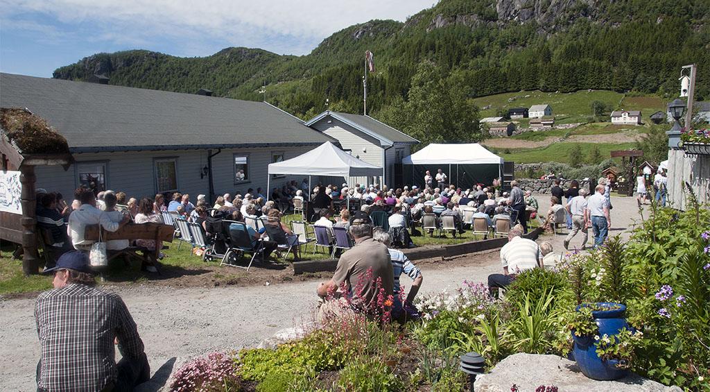 Kirsten Bråten Berg Til Fjellhagens Dag