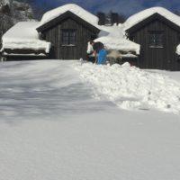 Hytte til leie i vinterferien uke 7 og 9. Gåavstand til alpinbakken. 4 soverom og godt utstyrt.