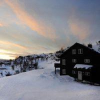 Fin hytte på Ljosland med nydelig utsikt over høyfjellet